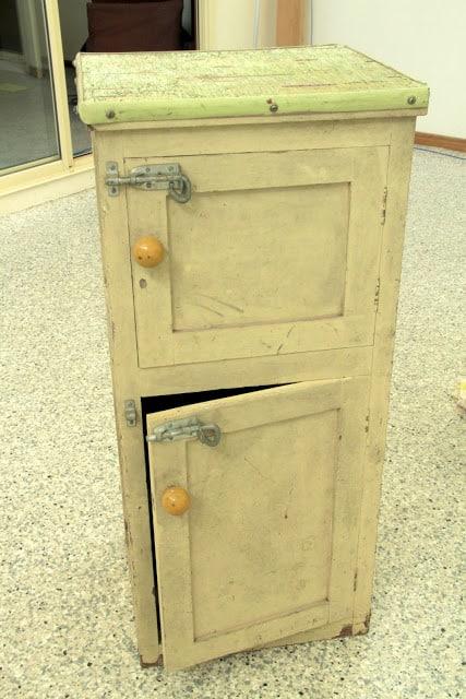 Poppas cabinet 001