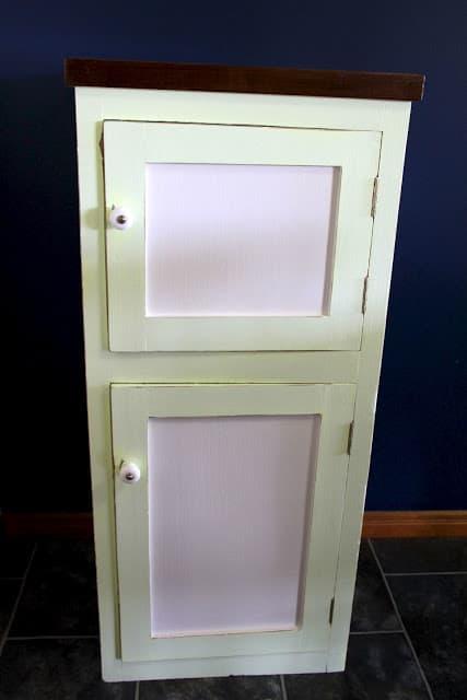 Poppas cabinet 016