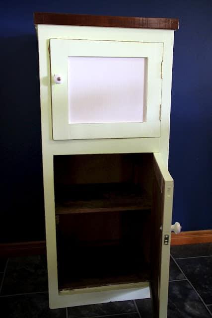 Poppas cabinet 019
