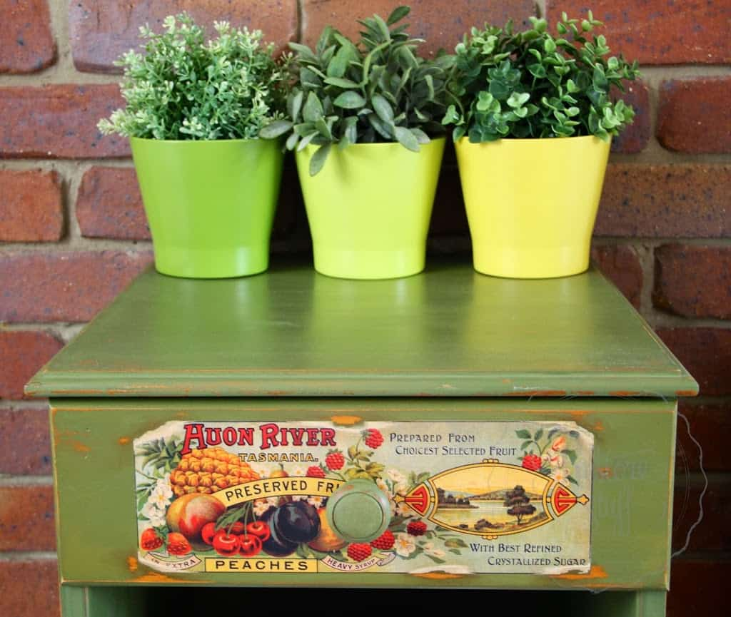 Boxwood drawer with can label