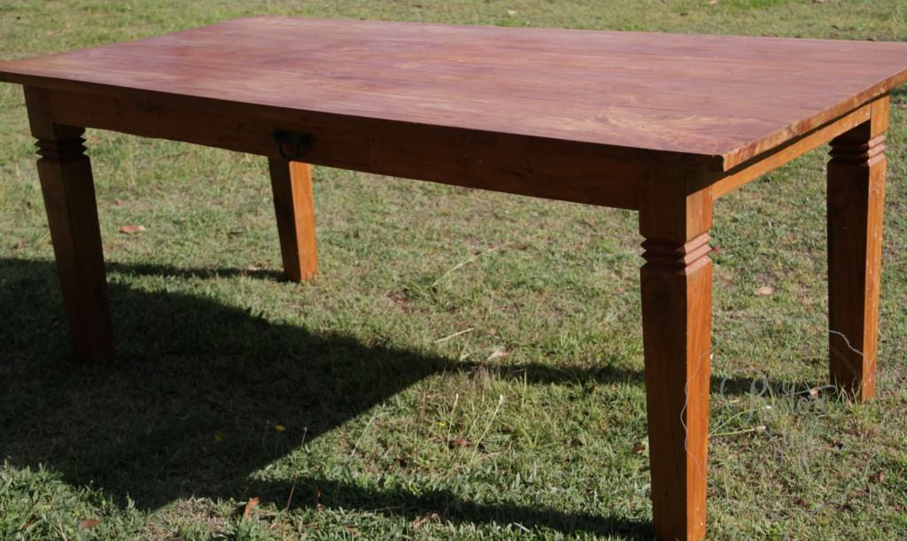 Simon table 01