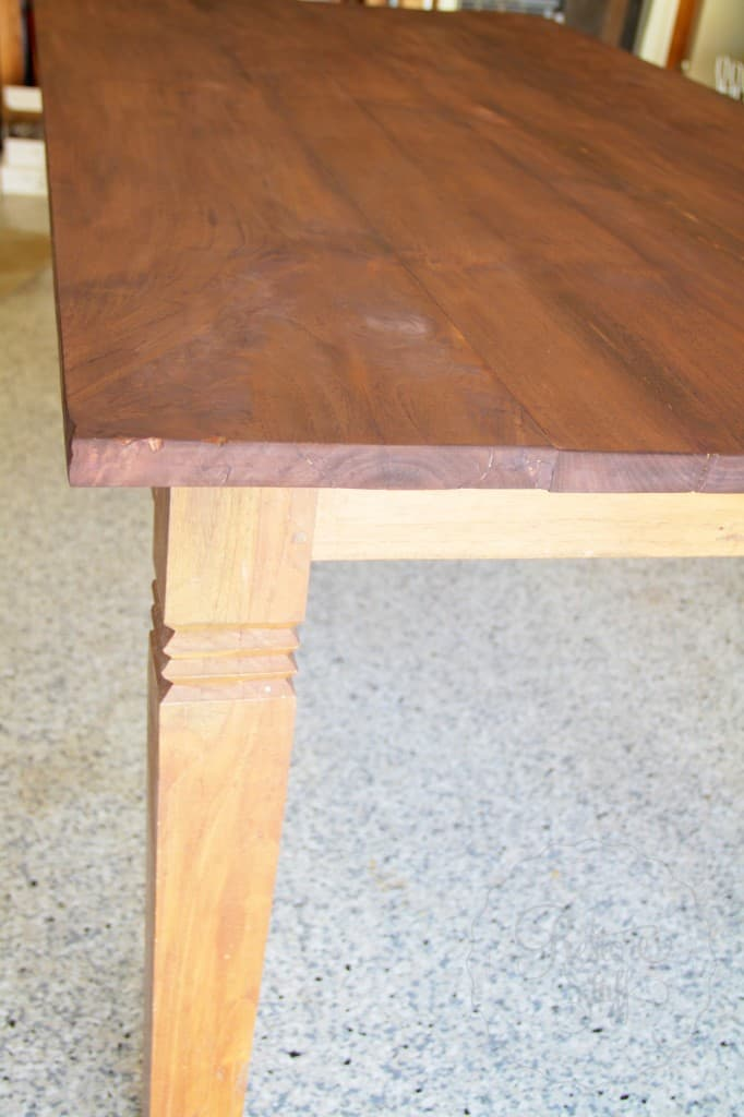Simon table 01 17