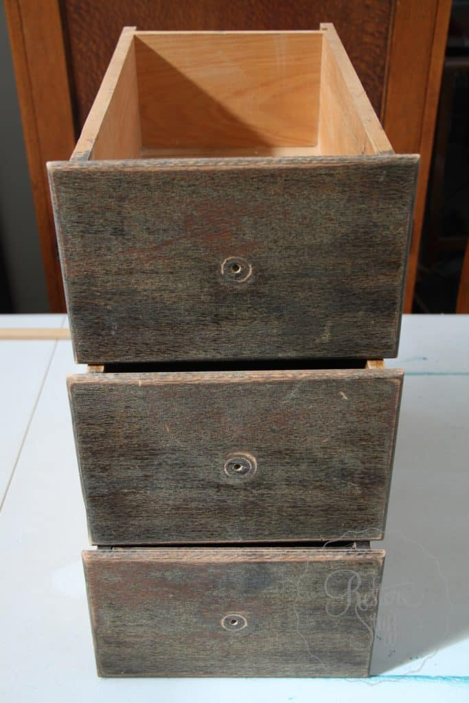 Arabesque drawers 15
