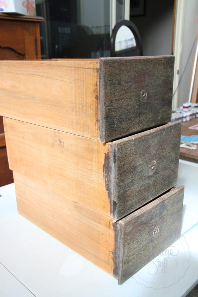 Arabesque drawers 16