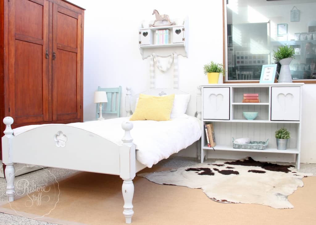 Indust white bed set-3184