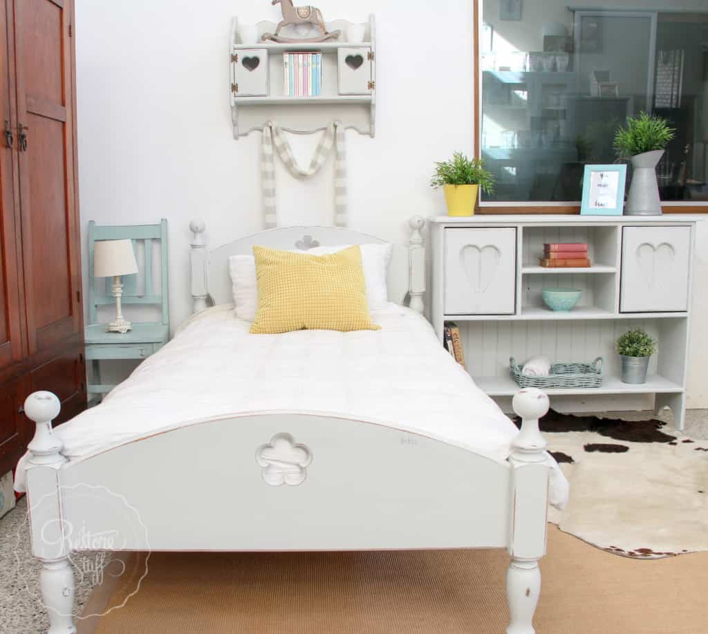 Indust white bed set-3195