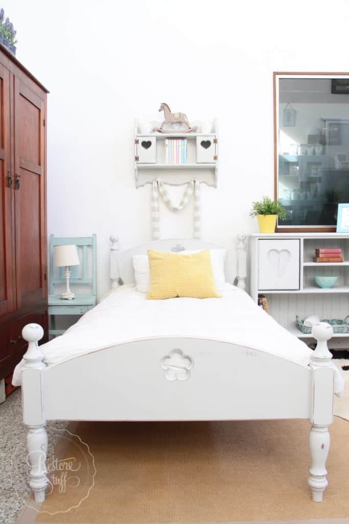 Indust white bed set-3197
