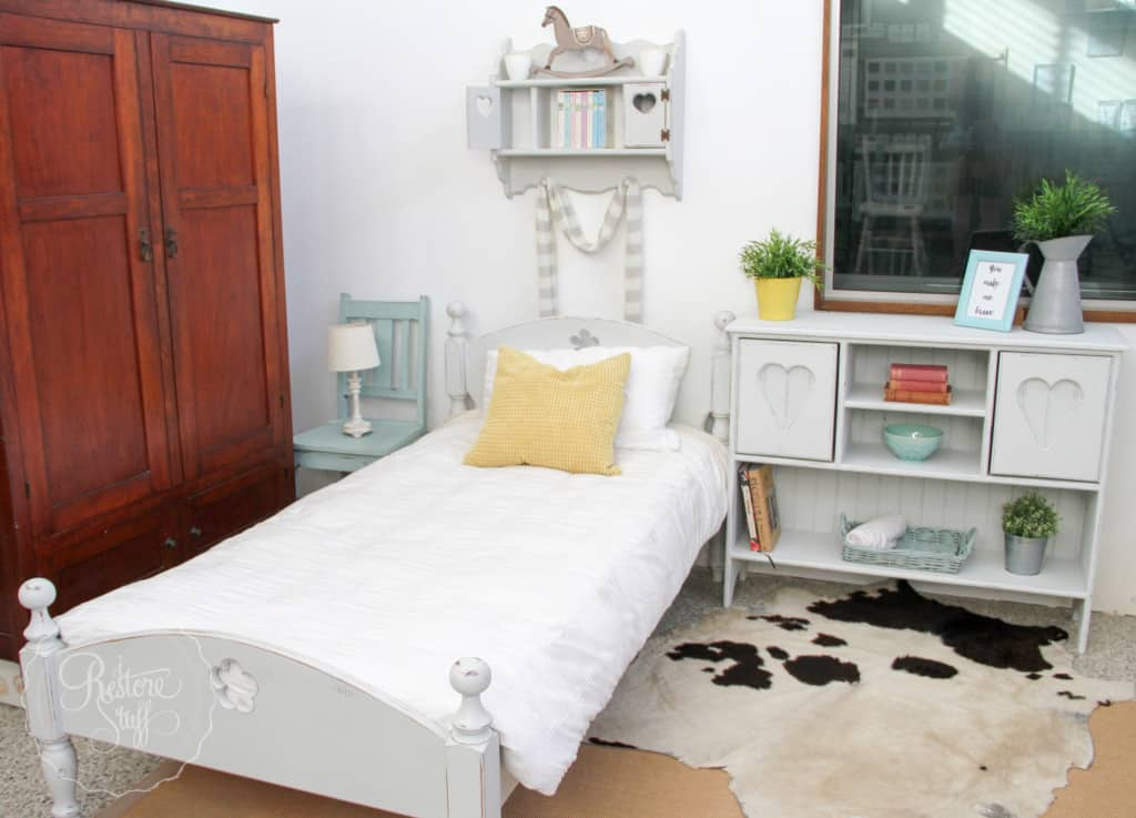 Indust white bed set-3210