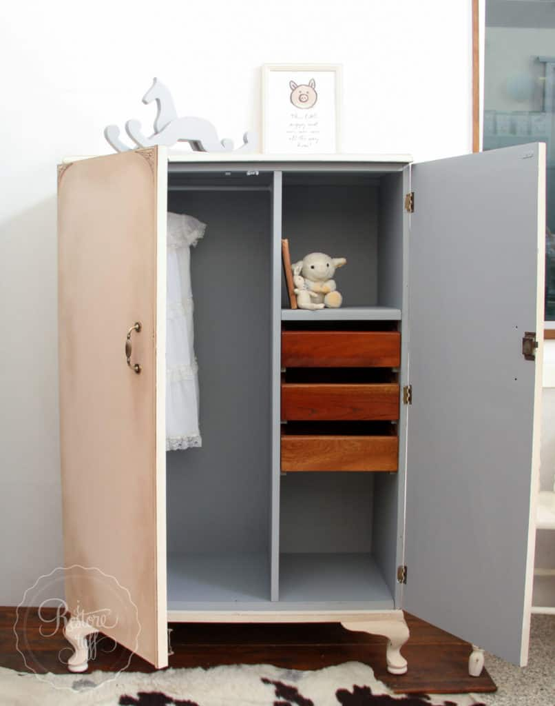 Little Piggy Cupboard-4947