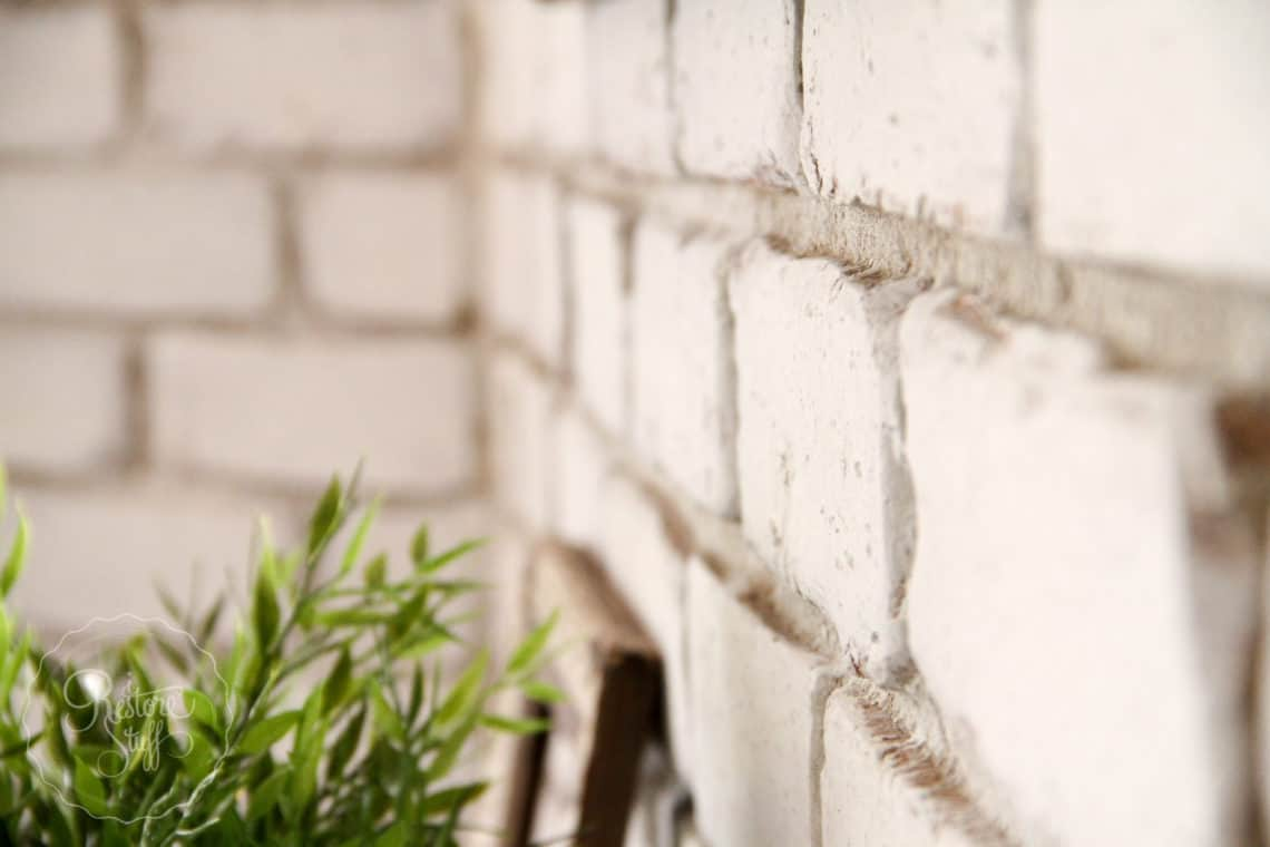 Paint a brick wall with MMS Milk Paint