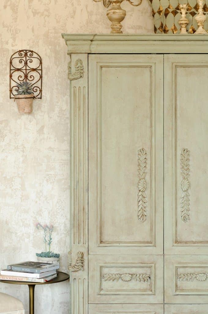 Lichen Fresco