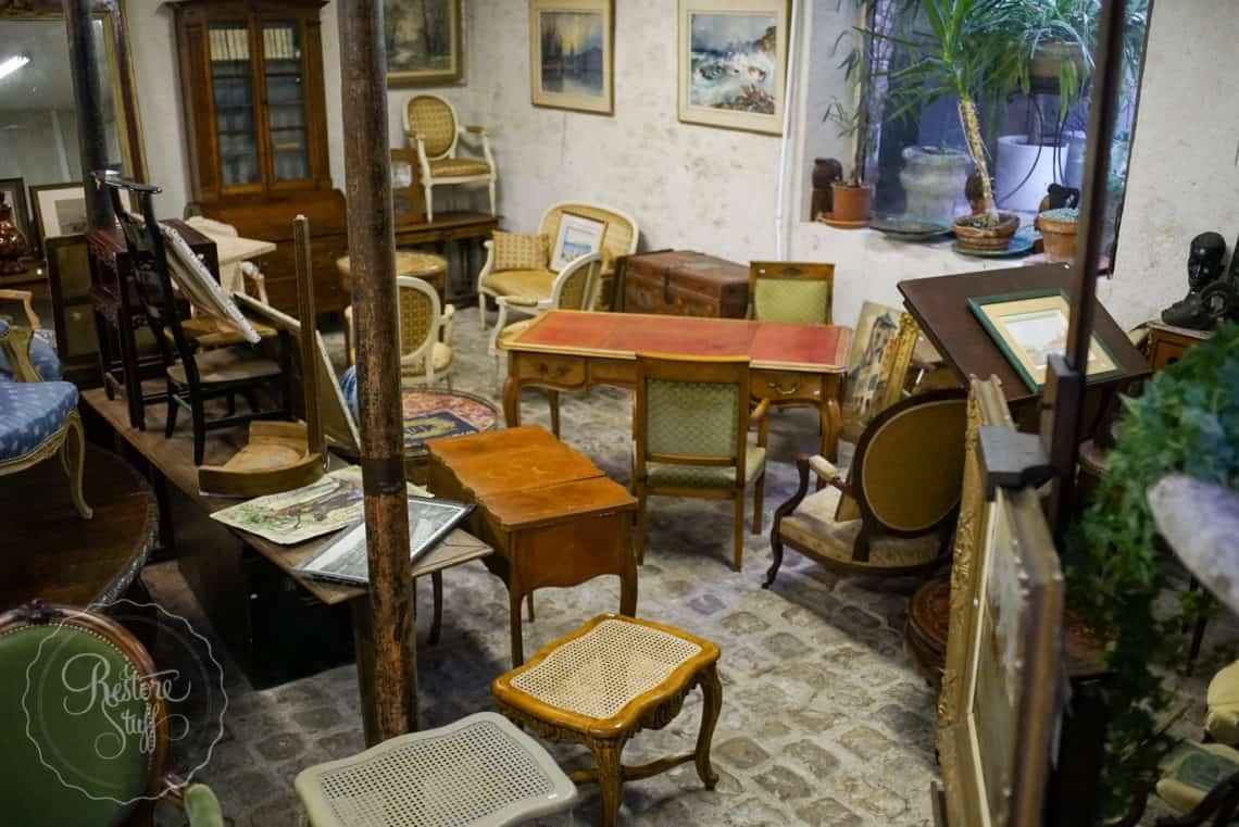 Antique store France