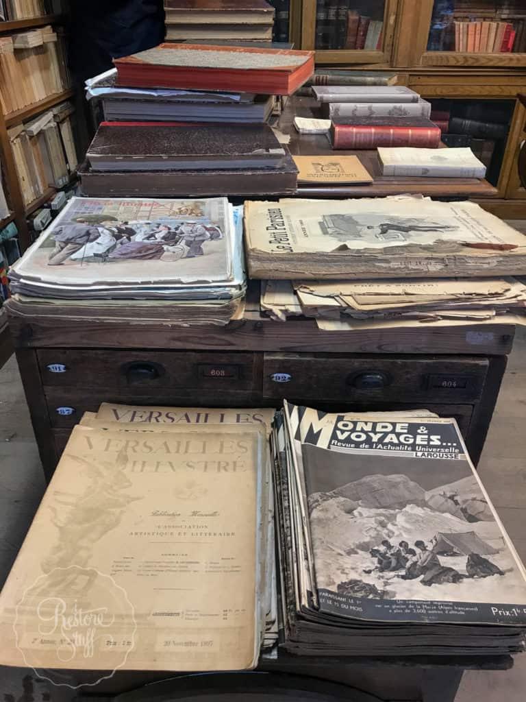 Antique magazines in store, Versailles