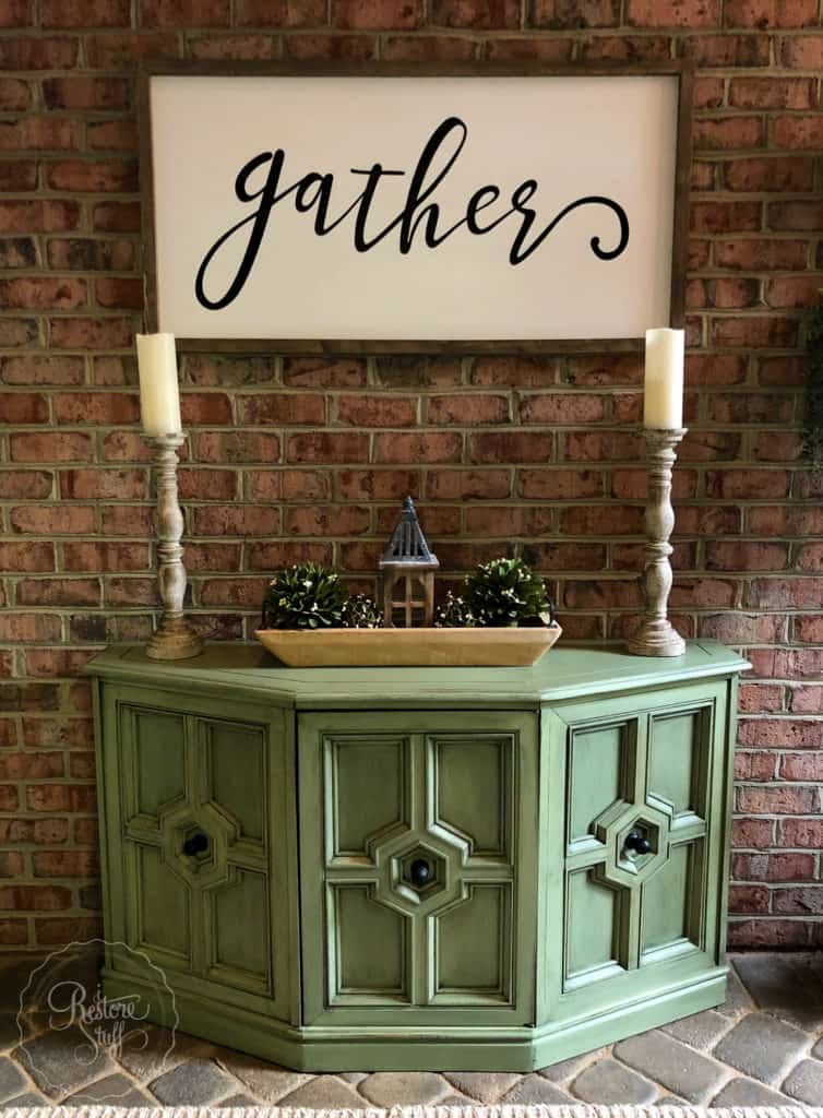 70s tv cabinet in Luckett's Green while painting in the USA