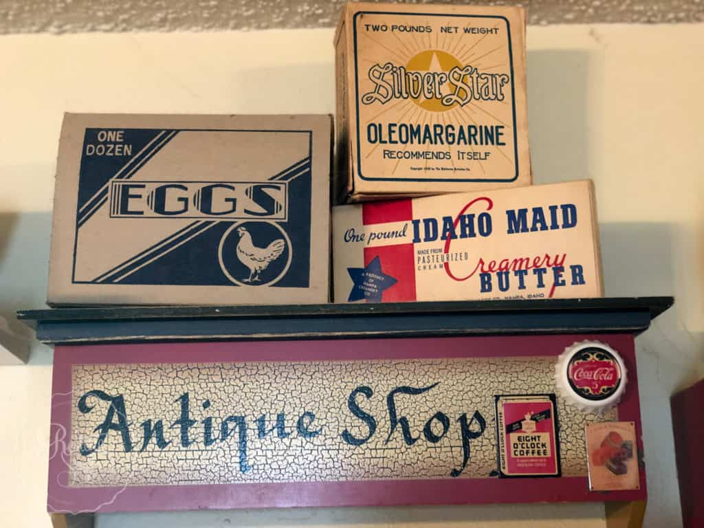 antiques & collectables boxes