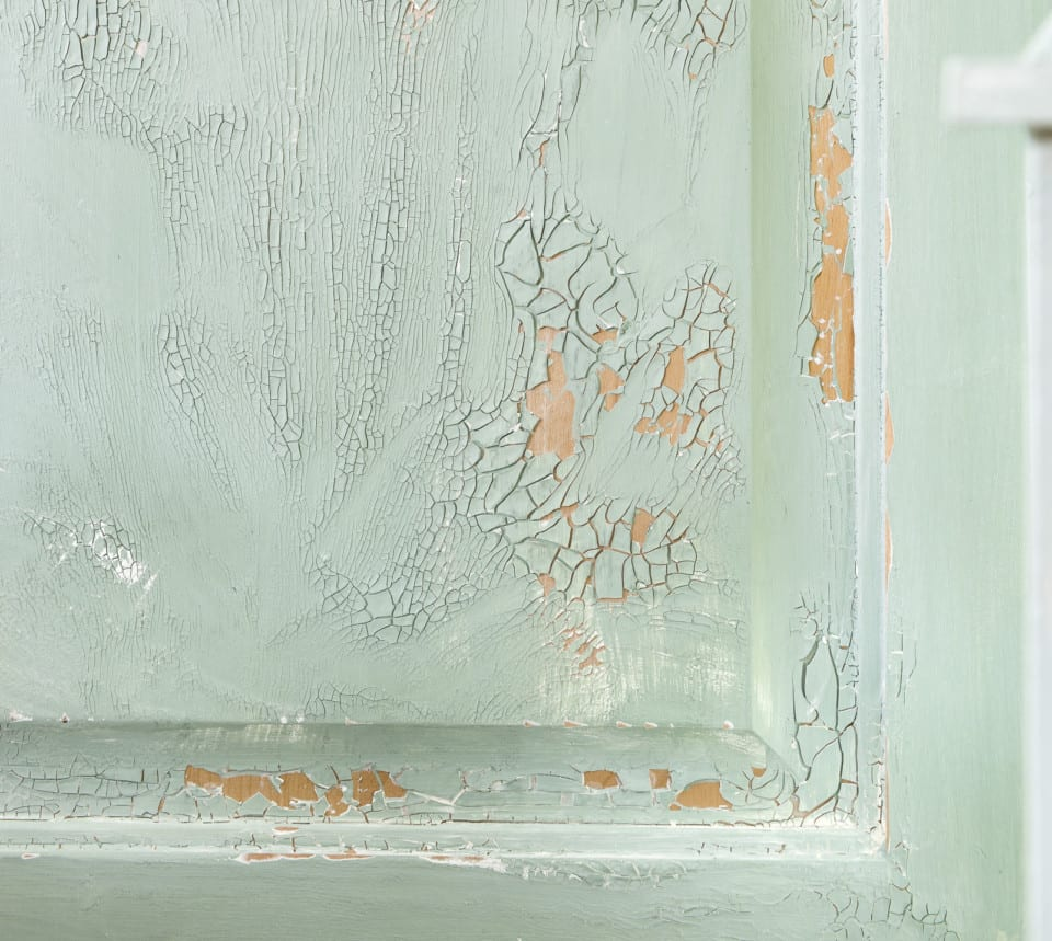 Fusion Crackle Texture on painted cabinet door